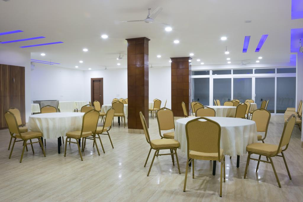 Bawa Residency Hotel Gurgaon Restaurant