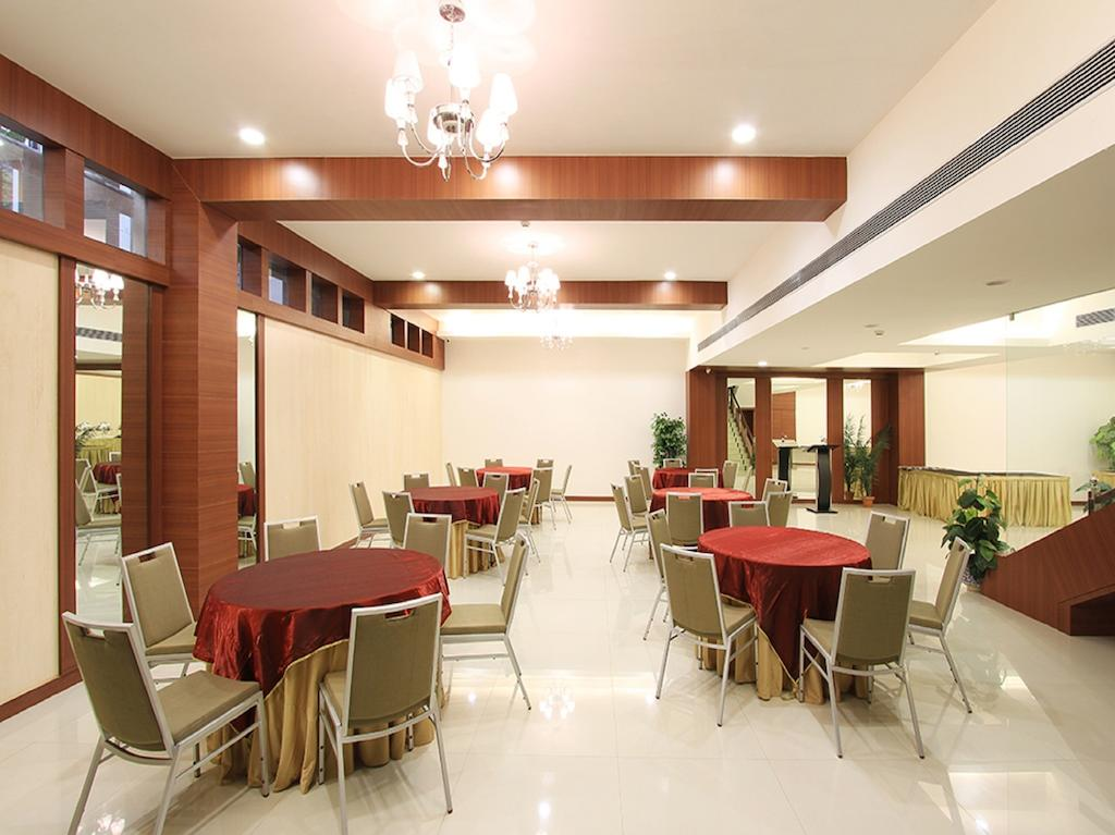 Sona South City Hotel Gurgaon Restaurant