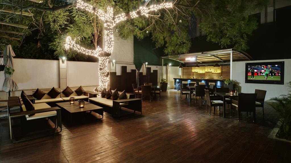 Leisure Inn West Hotel Gurgaon Restaurant