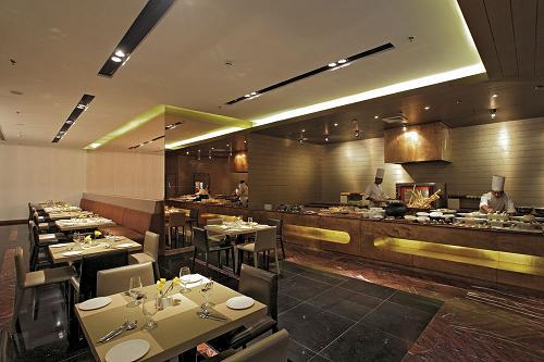Country Inn and Suites Udyog Vihar Gurgaon Restaurant
