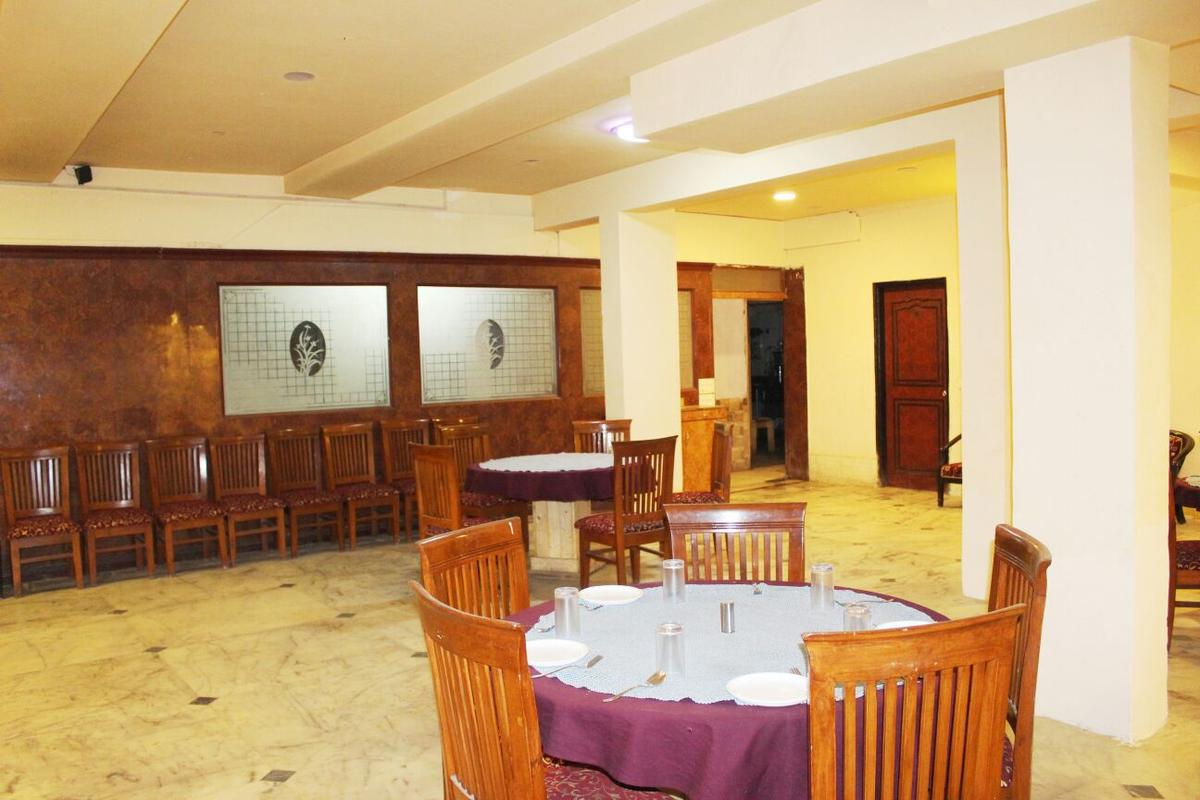 Emarald Hotel And Resort Gurgaon Restaurant