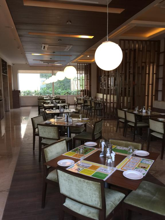 Lemon Tree Hotel Sector 60 Gurgaon Restaurant