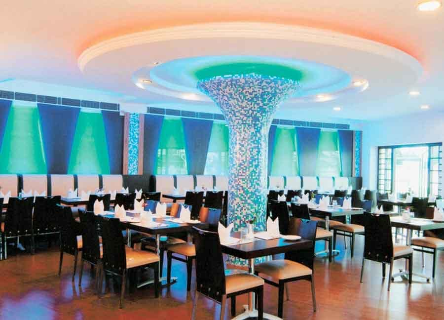 Wet N Wild Hotel And Resort Gurgaon Restaurant