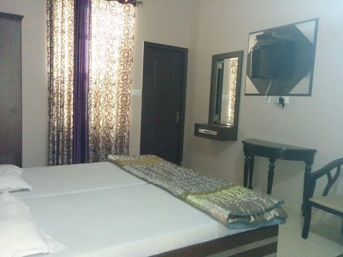 Basera Residency Hotel Gurgaon