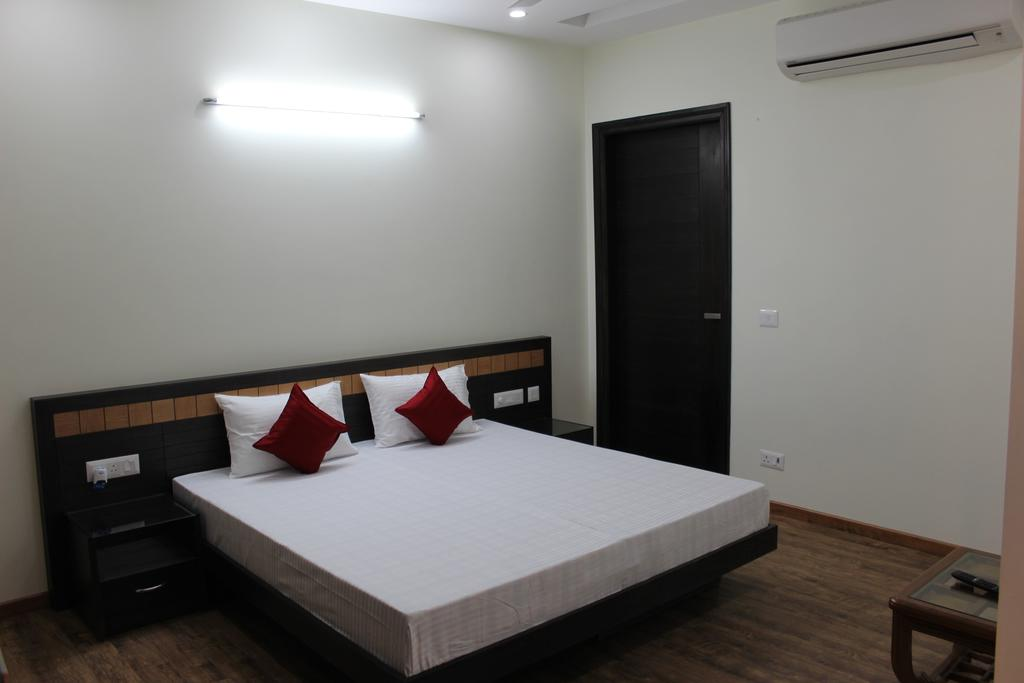 Indira Homes Hotel Gurgaon