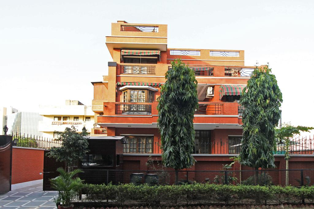 Royal Crown Guest House Gurgaon