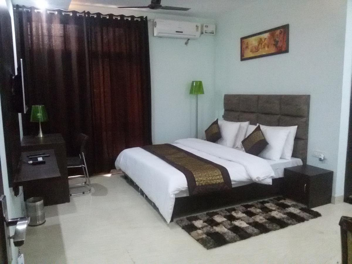 Smart Suites Hotel Gurgaon