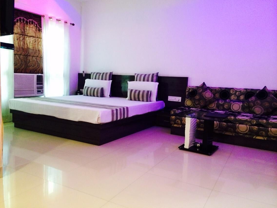 SS Residency Hotel Gurgaon