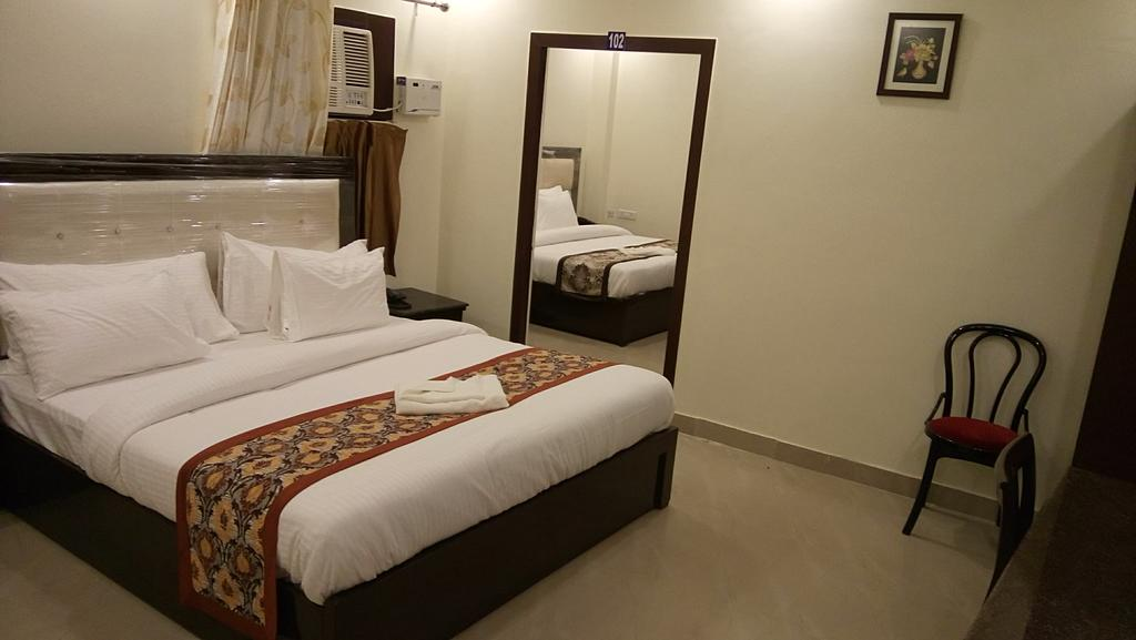U S Executive Suites Hotel Gurgaon