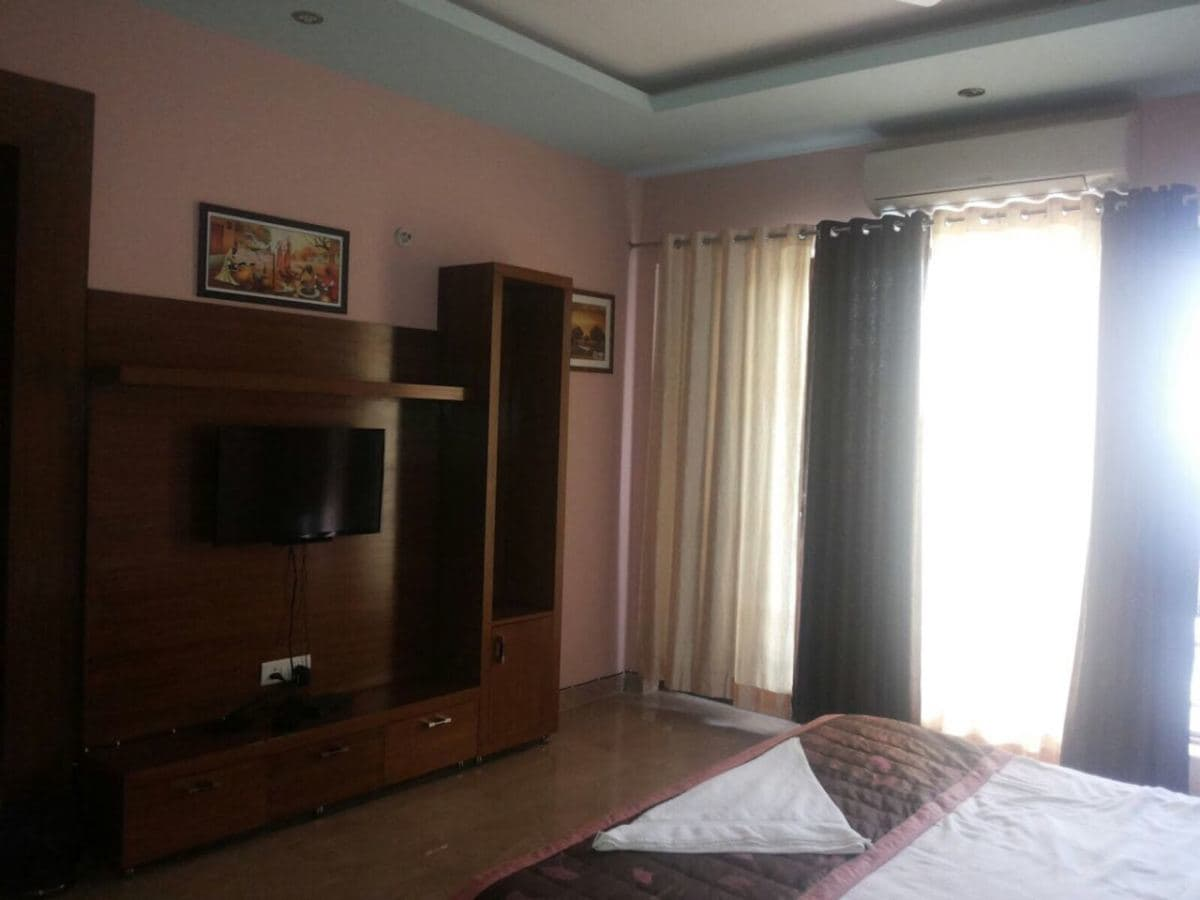 Unicorn Hotel Gurgaon