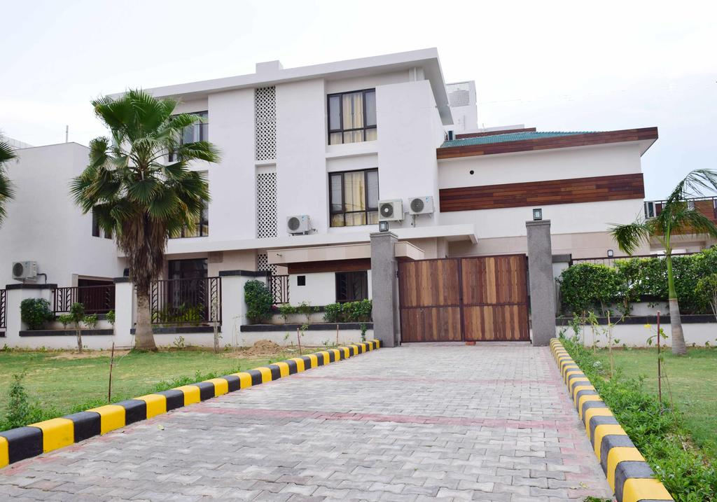 When In Gurgaon Service Apartment Gurgaon